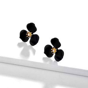 🔆3/$30 New Black Petal & Pearl Earrings